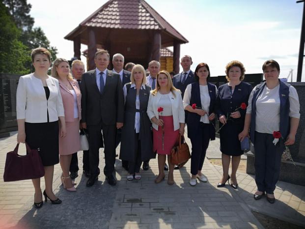 Открытие мемориала памяти сожжённых деревень Могилёвской области в д. Борки